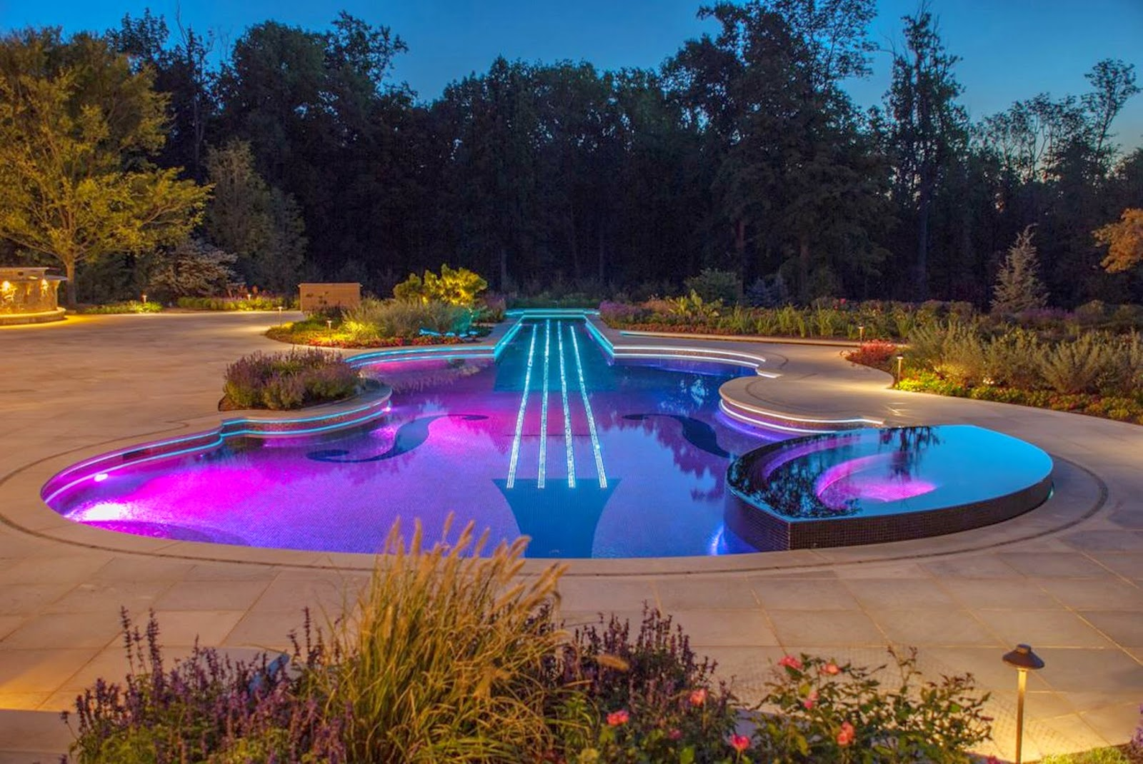 Attractive-Swimming-Pool-Lights-Underwater-for-Small-Swimming-Pool-Design-Ideas
